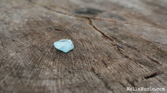 How Blue Topaz Can Improve Your Singing